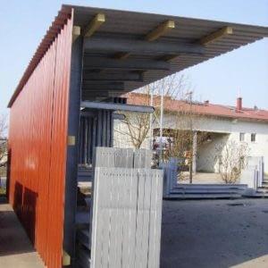 Beispiel für Dach- und Rückwandverkleidung